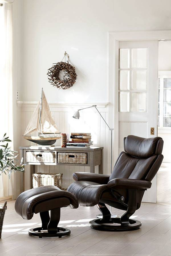 Poltrona Stressless Mod. Magic in pelle e base Classic