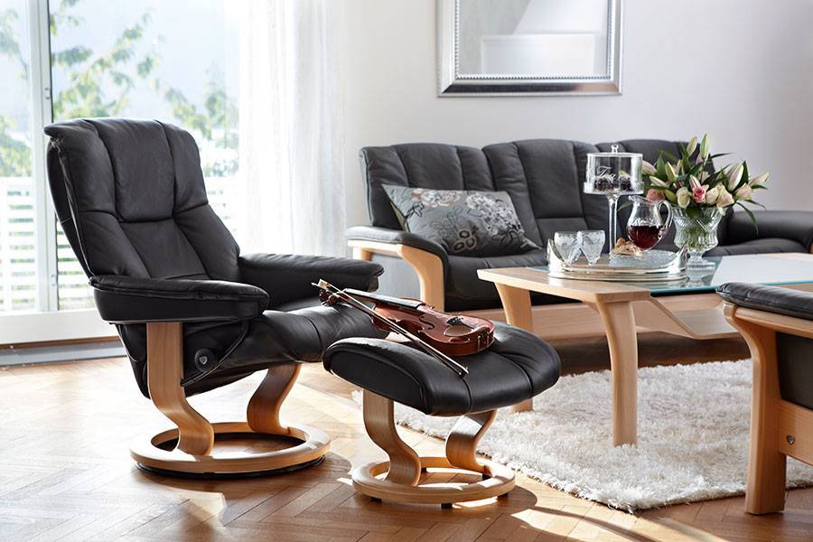 Poltrona Stressless Mod. Mayfair in pelle e base Classic