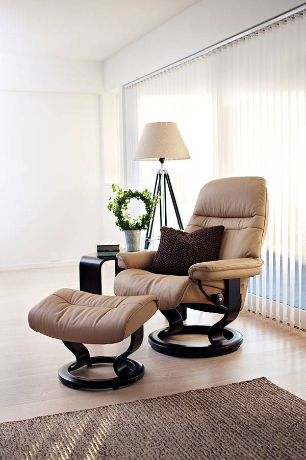Poltrona Stressless Mod. Sunrise in pelle e base Classic